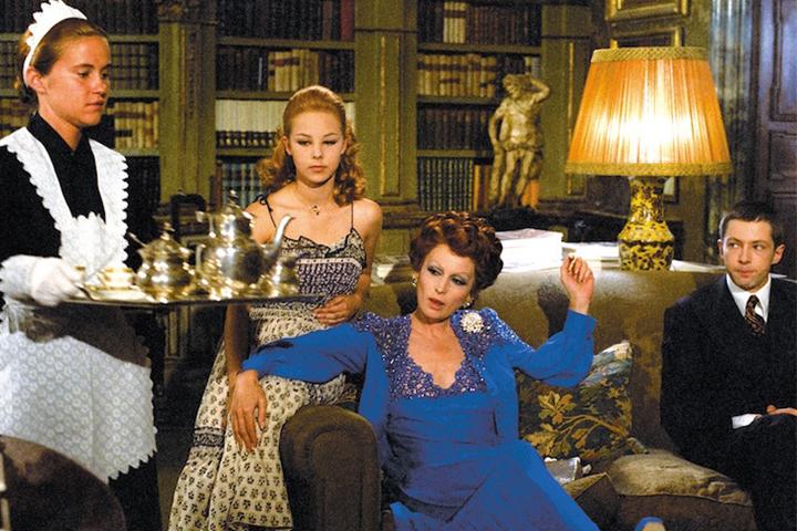 映画で見るファッション業界。フェンディの修復で甦るヴィスコンティ監督の名作『家族の肖像』