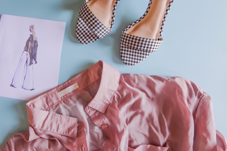 アパレルのファッションデザイナーになるには? 未経験や新卒の場合などをご紹介